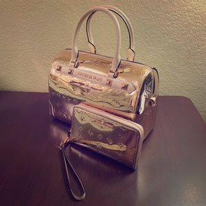 Michael Kors Satchel w/ Phone Case Rose Gold Set